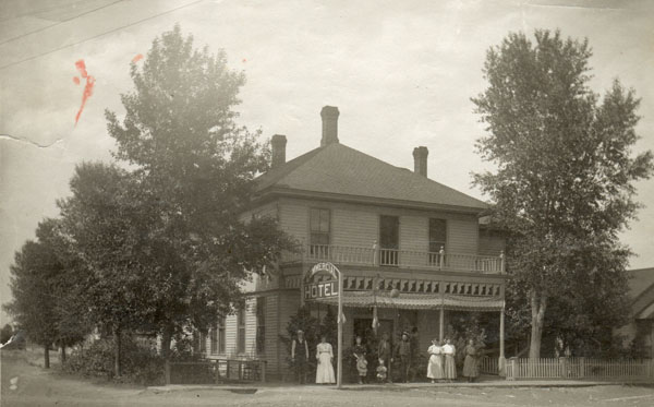 Commercial Hotel -1909 600